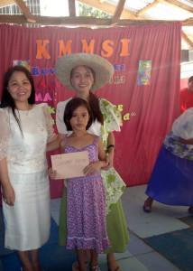 Receiving Prize (5)